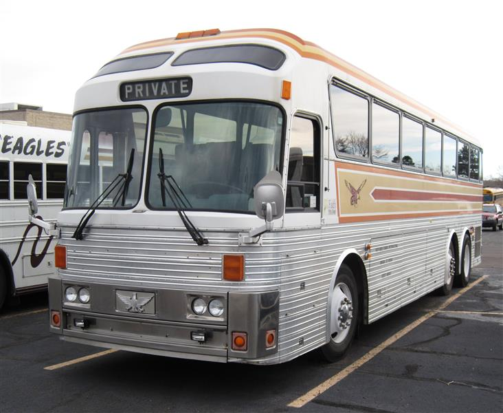 Sold one owner eagle bus for sale eagles international Silver eagle motor coach